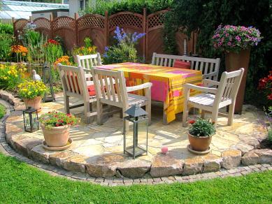 Gartengestaltung - Natursteinterrasse